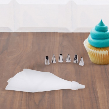 Sweetshop Piping Bag With Nozzles
