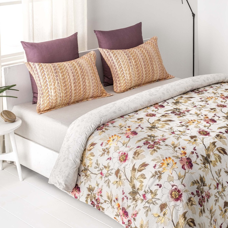 D'DECOR Stain Repellent Printed 3-Piece Bedsheet Set - 274 x 274 cm