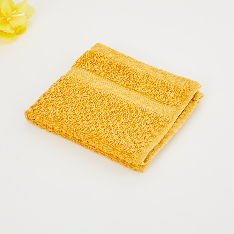 Essence PopcornTextured Face Towel- 30 x 30 cm